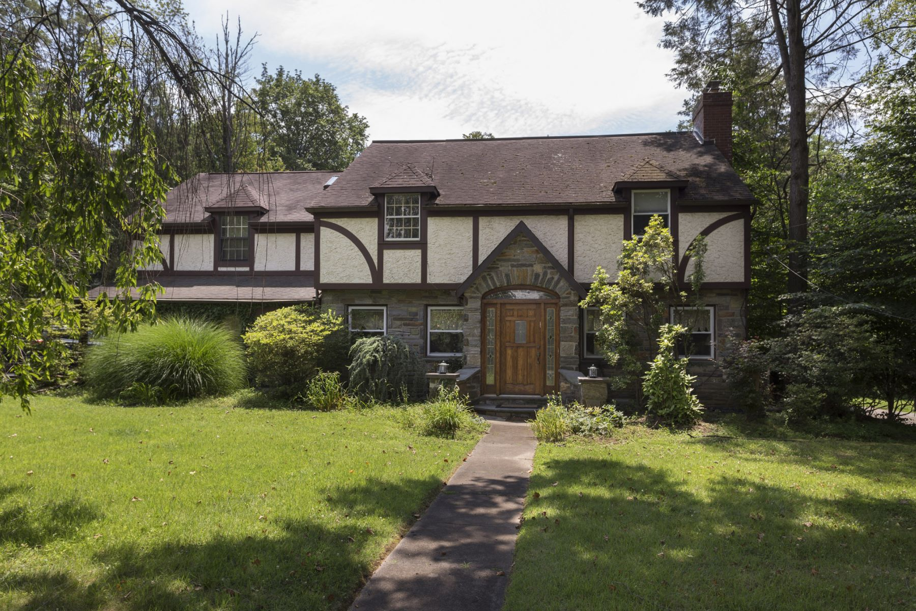 for Sale at 476 Sabine Ave Wynnewood, Pennsylvania, 19096 United States