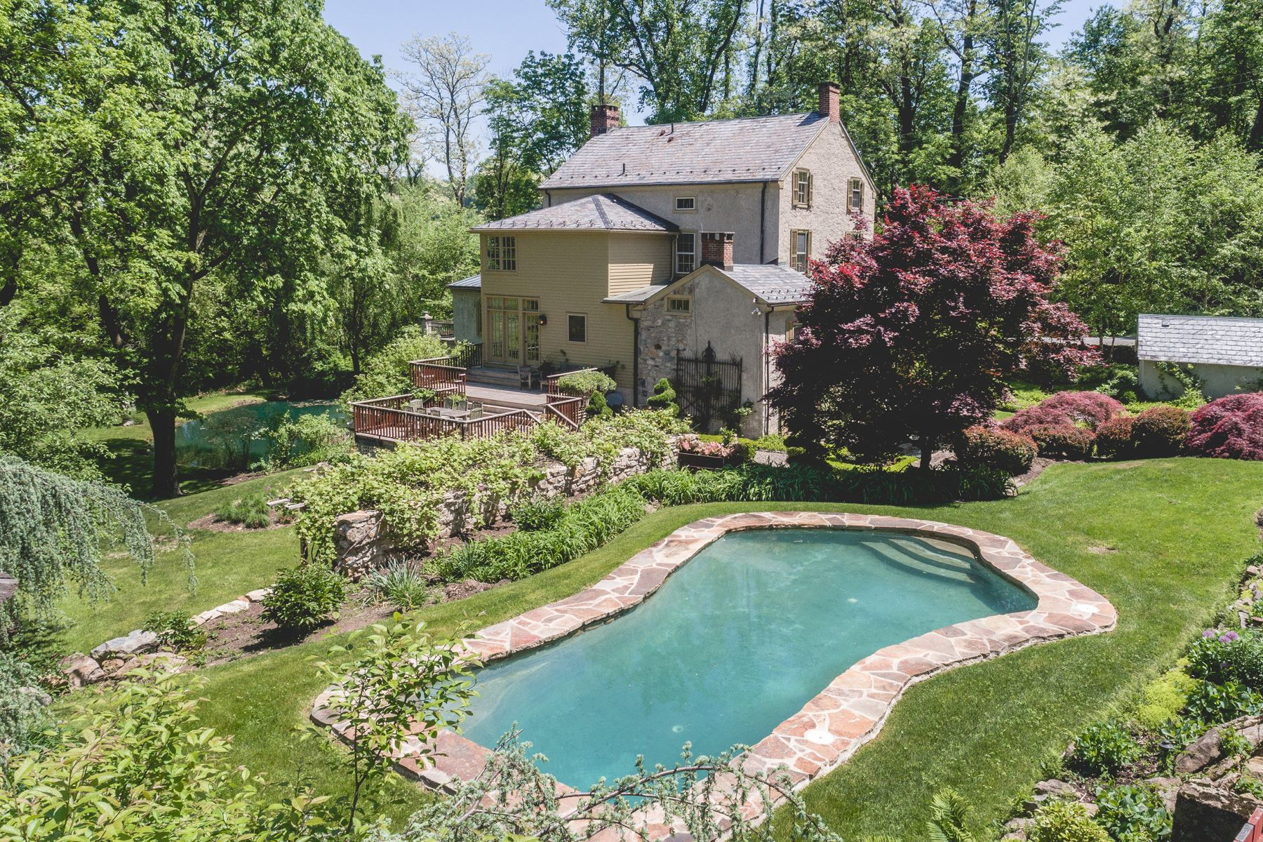 Single Family Home for Sale at 250 Durham Rd Easton, Pennsylvania 18042 United States