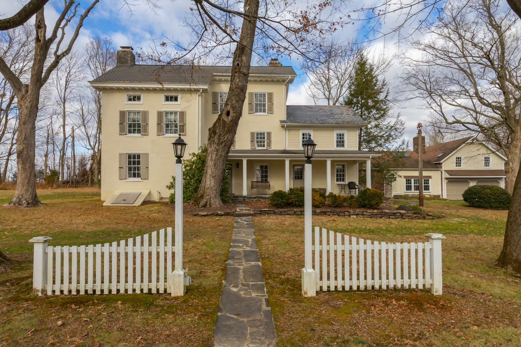 Single Family Homes for Sale at 978 HIGHLAND RD Newtown, Pennsylvania 18940 United States