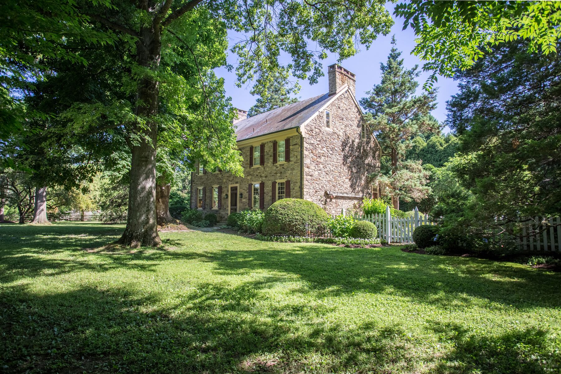 Single Family Home for Sale at 5541 Carversville Rd Doylestown, Pennsylvania 18902 United States