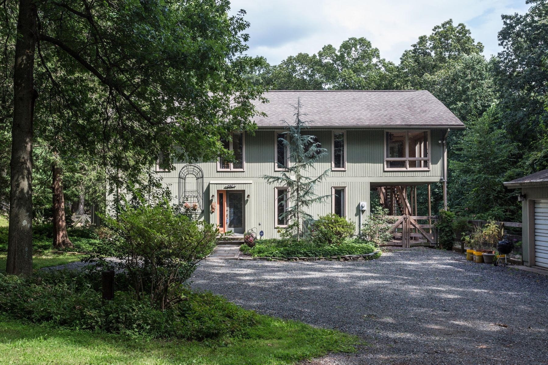 Additional photo for property listing at 2255 Deer Trl Rd  Coopersburg, Pennsylvanie 18036 États-Unis