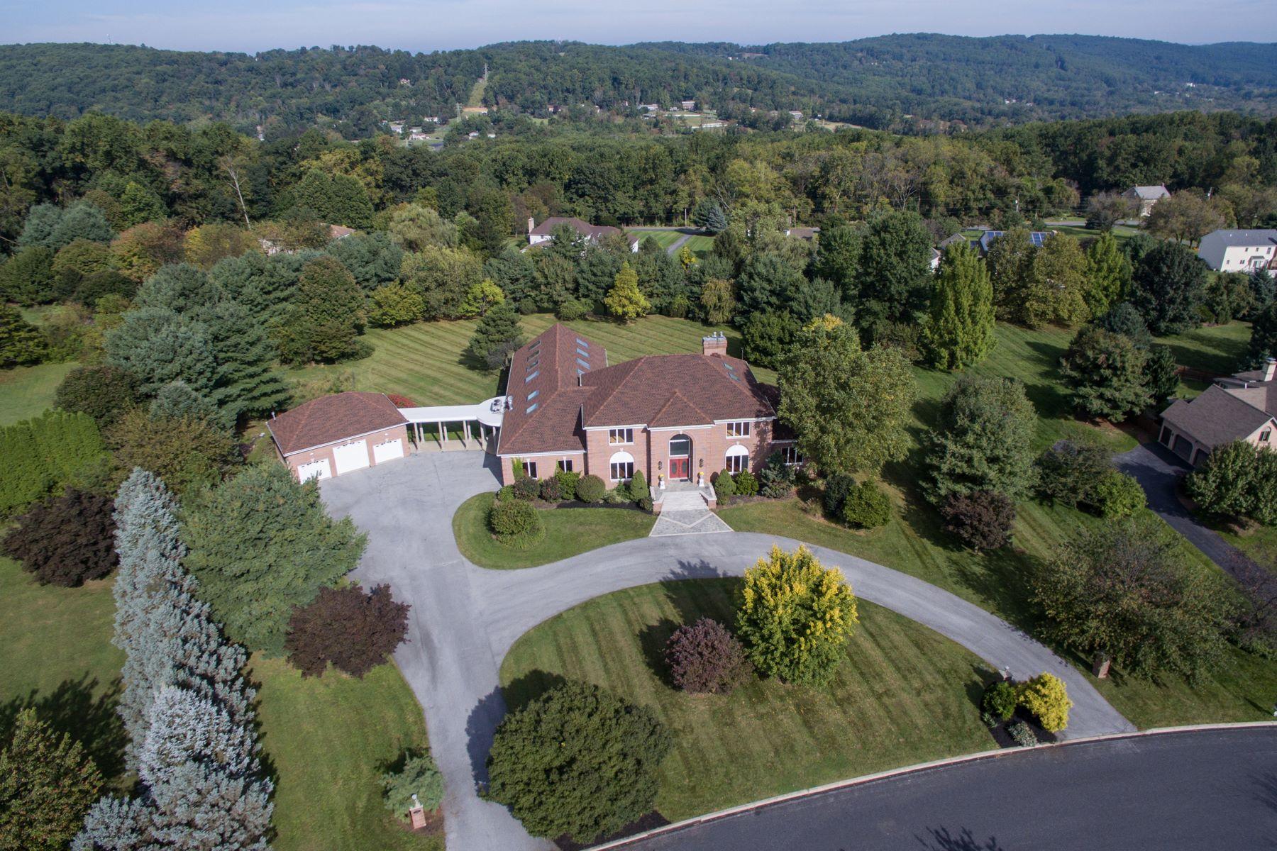 Частный односемейный дом для того Продажа на 2365 Westminster Dr Emmaus, Пенсильвания 18049 Соединенные Штаты