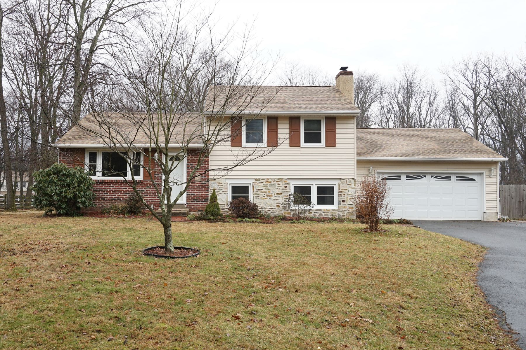 Single Family Homes for Sale at 517 LEXINGTON AVE Chalfont, Pennsylvania 18914 United States