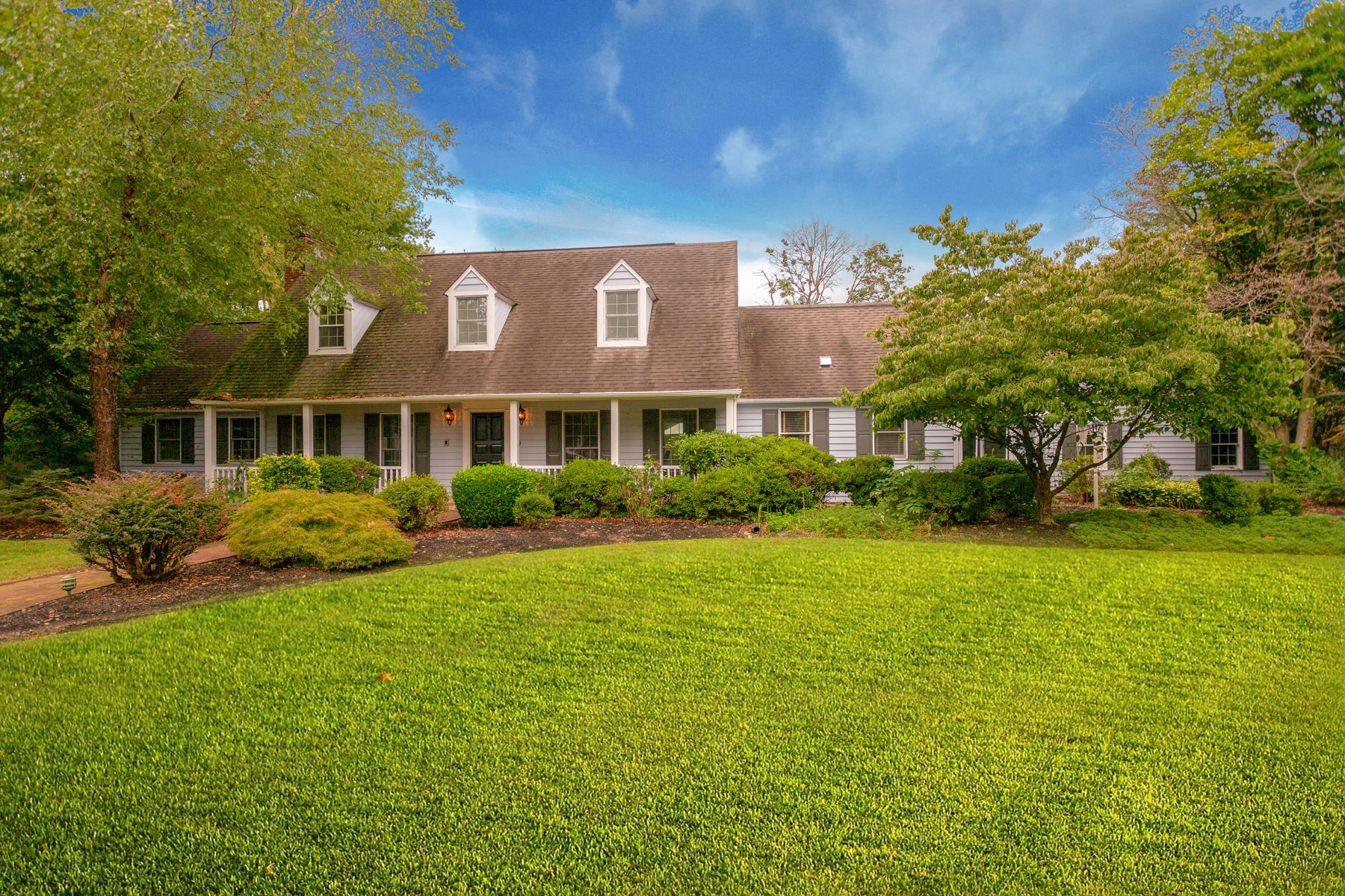 Single Family Homes for Sale at 19 MILYKO DR Washington Crossing, Pennsylvania 18977 United States