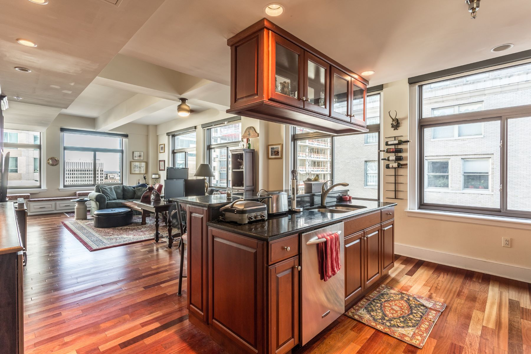 for Sale at 1500 Chestnut St #20g 1500 CHESTNUT ST #20G 20G, Philadelphia, Pennsylvania, 19102 United States