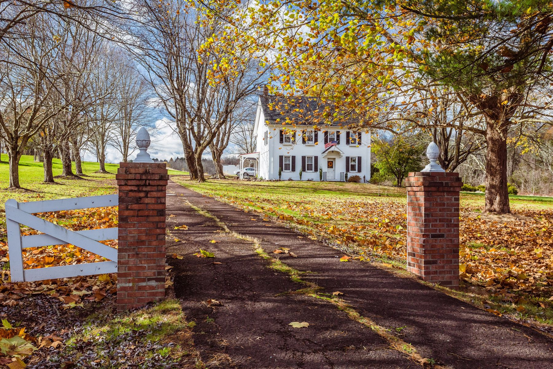 Single Family Homes for Sale at 7364 EASTON RD Pipersville, Pennsylvania 18947 United States