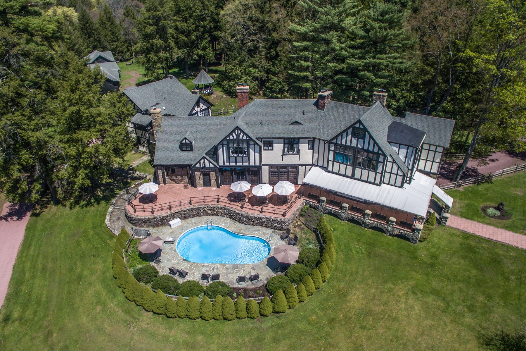 Single Family Homes for Sale at 1 COACH RD Bear Creek, Pennsylvania 18602 United States