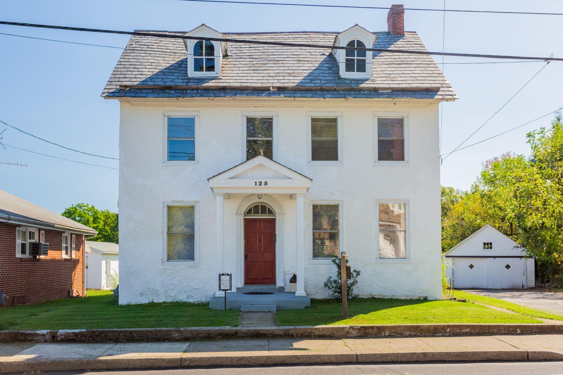 Single Family Homes por un Venta en 125 S MAIN ST Quakertown, Pennsylvania 18951 Estados Unidos