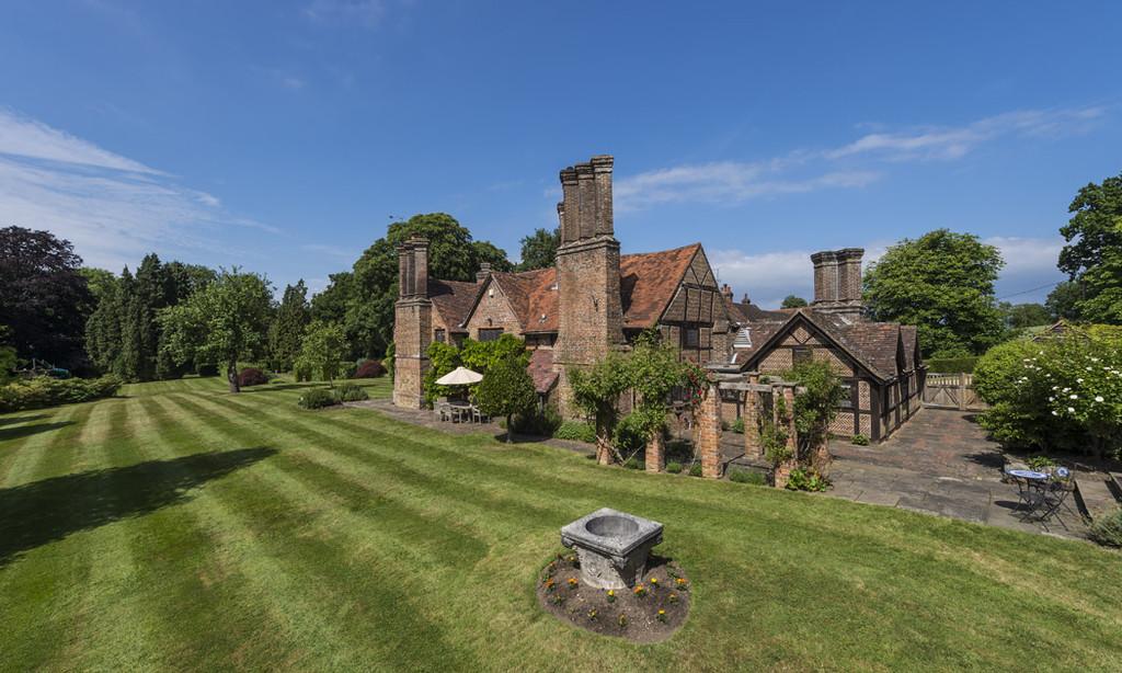 獨棟家庭住宅 為 出售 在 Capel, Dorking Horsham Road Dorking, 英格蘭, RH5 5JN 英國