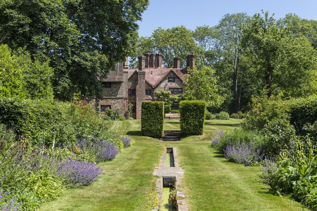 Nhà ở một gia đình vì Bán tại Capel, Dorking Dorking, Anh Quốc, Vương Quốc Anh