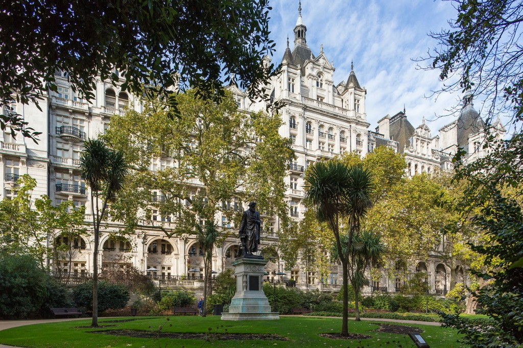 sales property at Whitehall Court, St James's