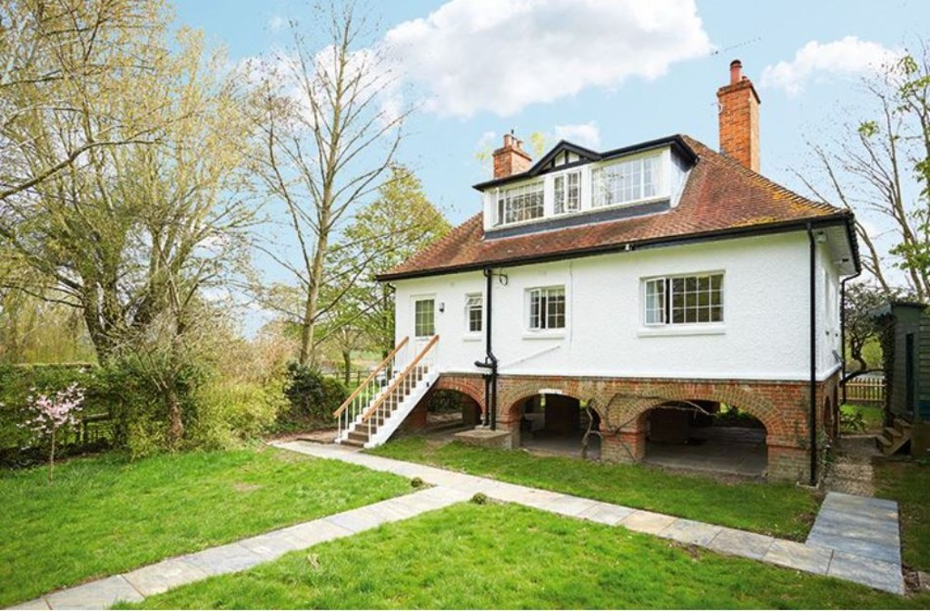 sales property at Chalmore Gardens, Wallingford