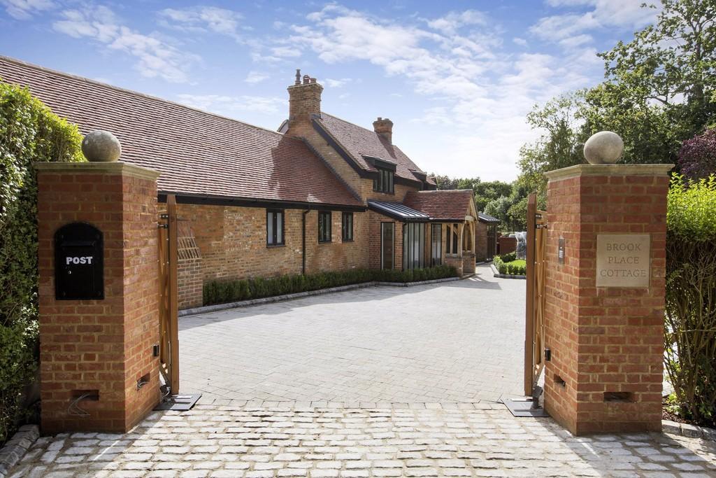 Einfamilienhaus für Verkauf beim Chobham, Surrey Chobham, England, Vereinigtes Königreich