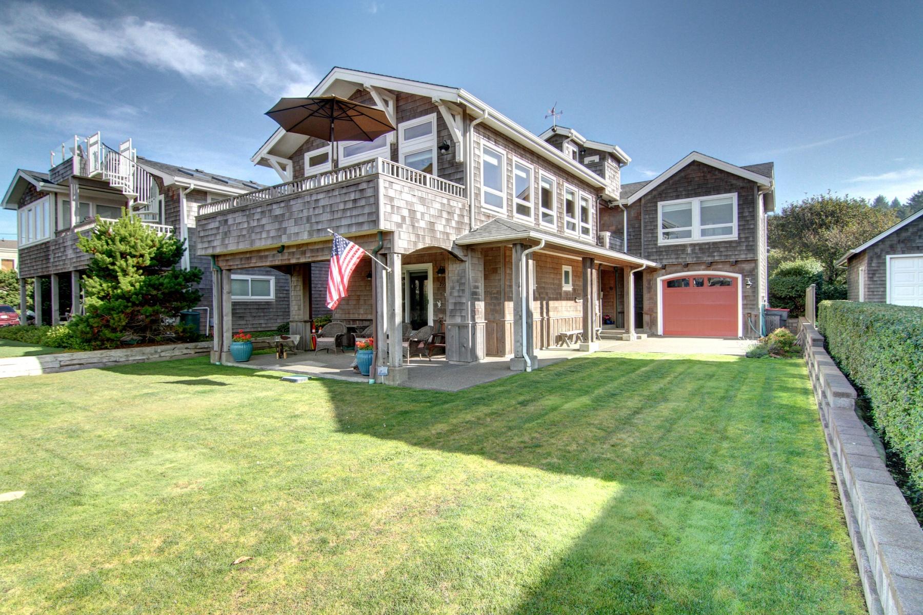 Maison unifamiliale pour l Vente à 2939 Pacific St Cannon Beach, Oregon, 97110 États-Unis