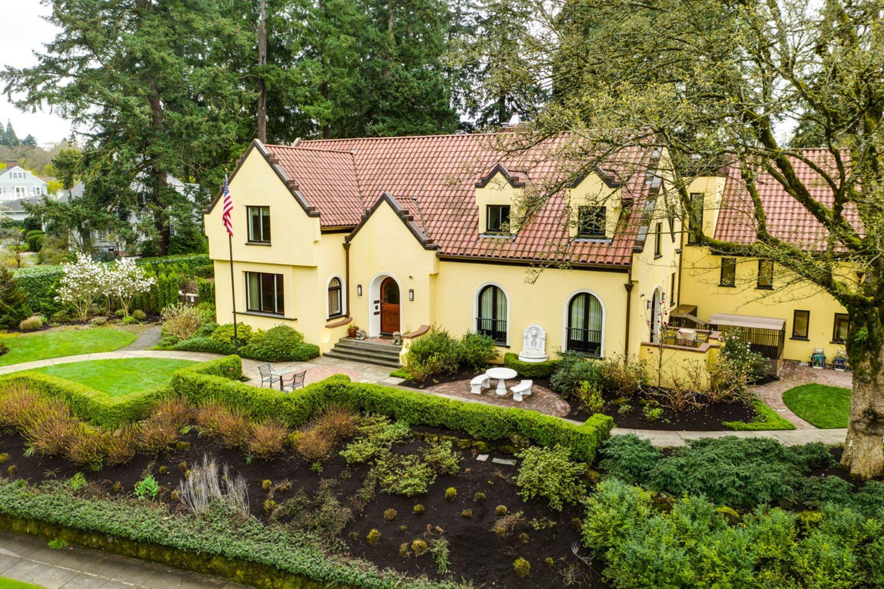 Single Family Homes for Active at 2928 SE WOODSTOCK BLVD Portland, Oregon 97202 United States