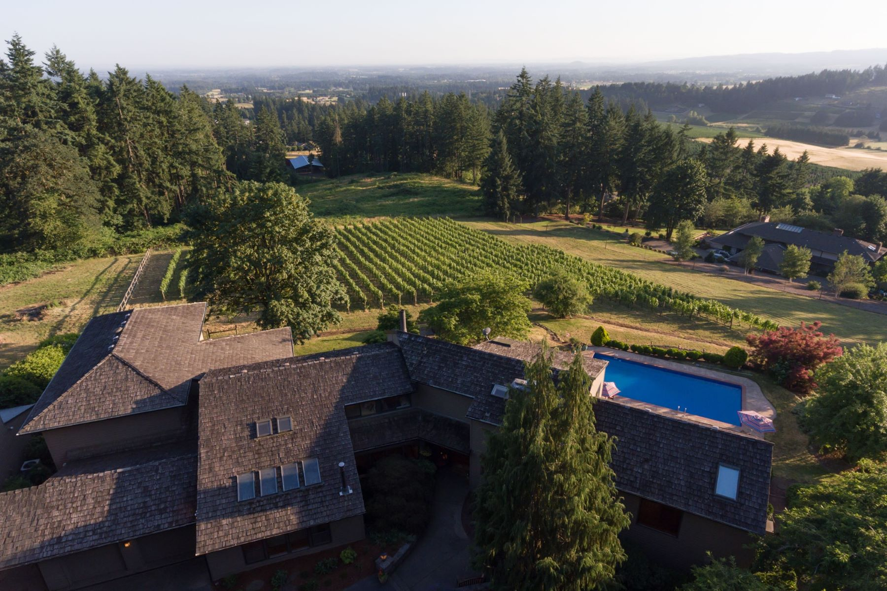 Single Family Homes pour l Vente à Organic Vineyard in West Linn 2636 SW SCHAEFFER RD, West Linn, Oregon 97068 États-Unis