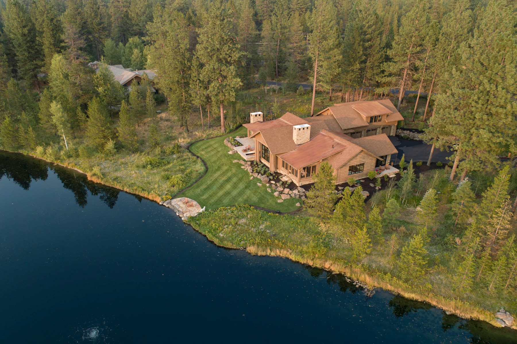 Single Family Homes para Venda às Jerry Locati Designed Custom Home 56111 School House Rd, Bend, Oregon 97707 Estados Unidos