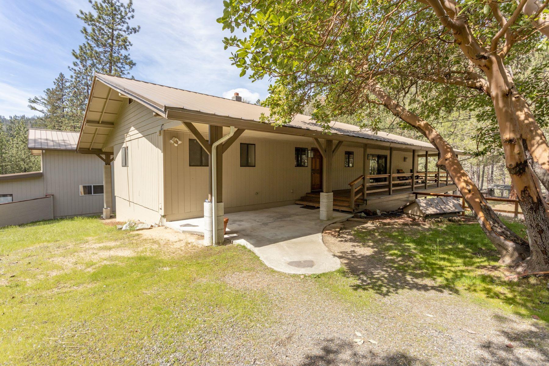 Single Family Homes 為 出售 在 Jacksonville Home 5300 Hwy 238, Jacksonville, 俄勒岡州 97530 美國