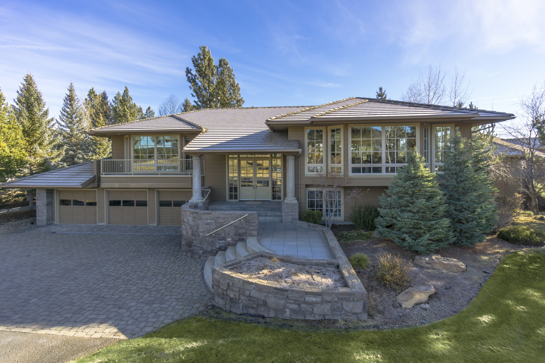 Single Family Home for Sale at 19220 Green Lakes Loop Bend, Oregon, 97702 United States
