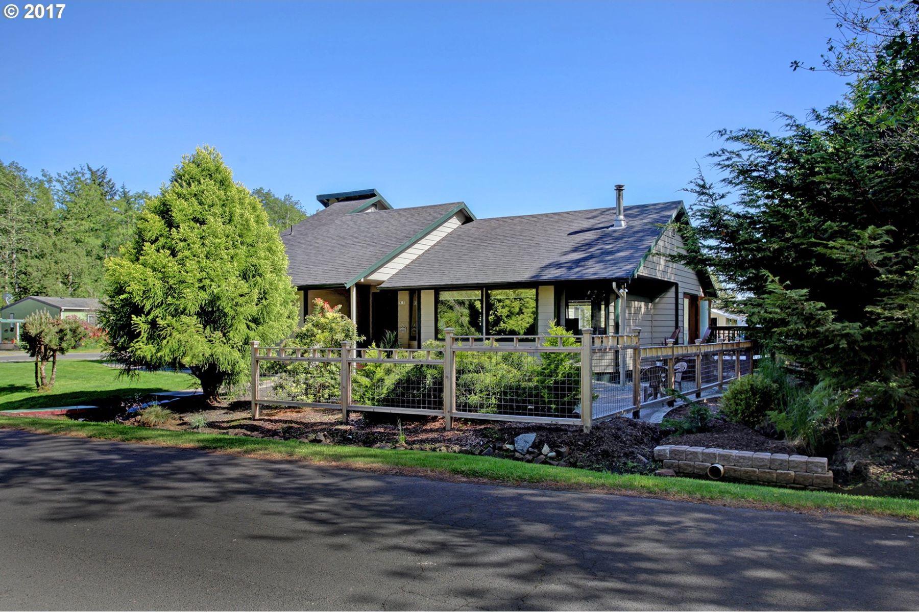 独户住宅 为 销售 在 Getaway to Fort Stevens State Park 915 King Salmon PL Hammond, 俄勒冈州, 97121 美国
