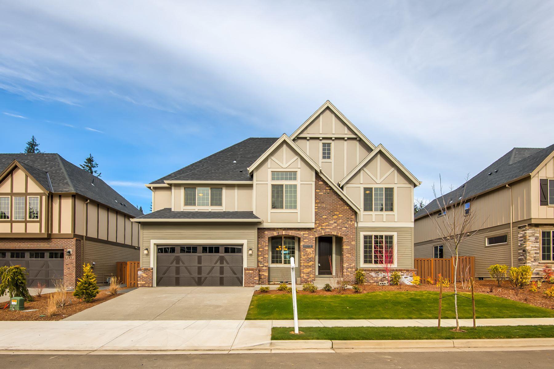 Single Family Homes 為 出售 在 Huge Corner Lot 15469 SE Clark ST, Clackamas, 俄勒岡州 97015 美國