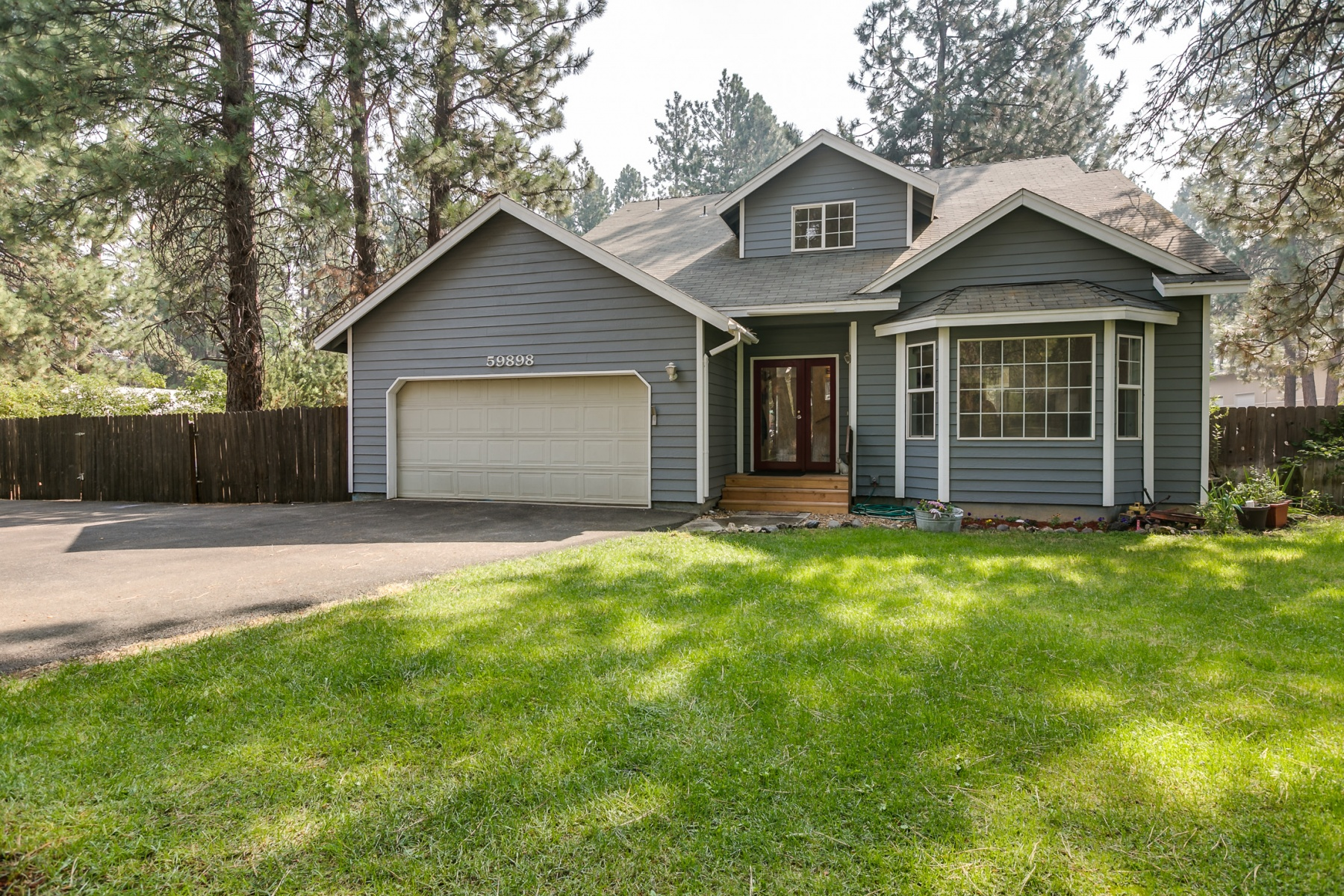Single Family Home for Sale at Charming 4 Bedroom on an Acre 59898 Navajo Road Bend, Oregon, 97702 United States