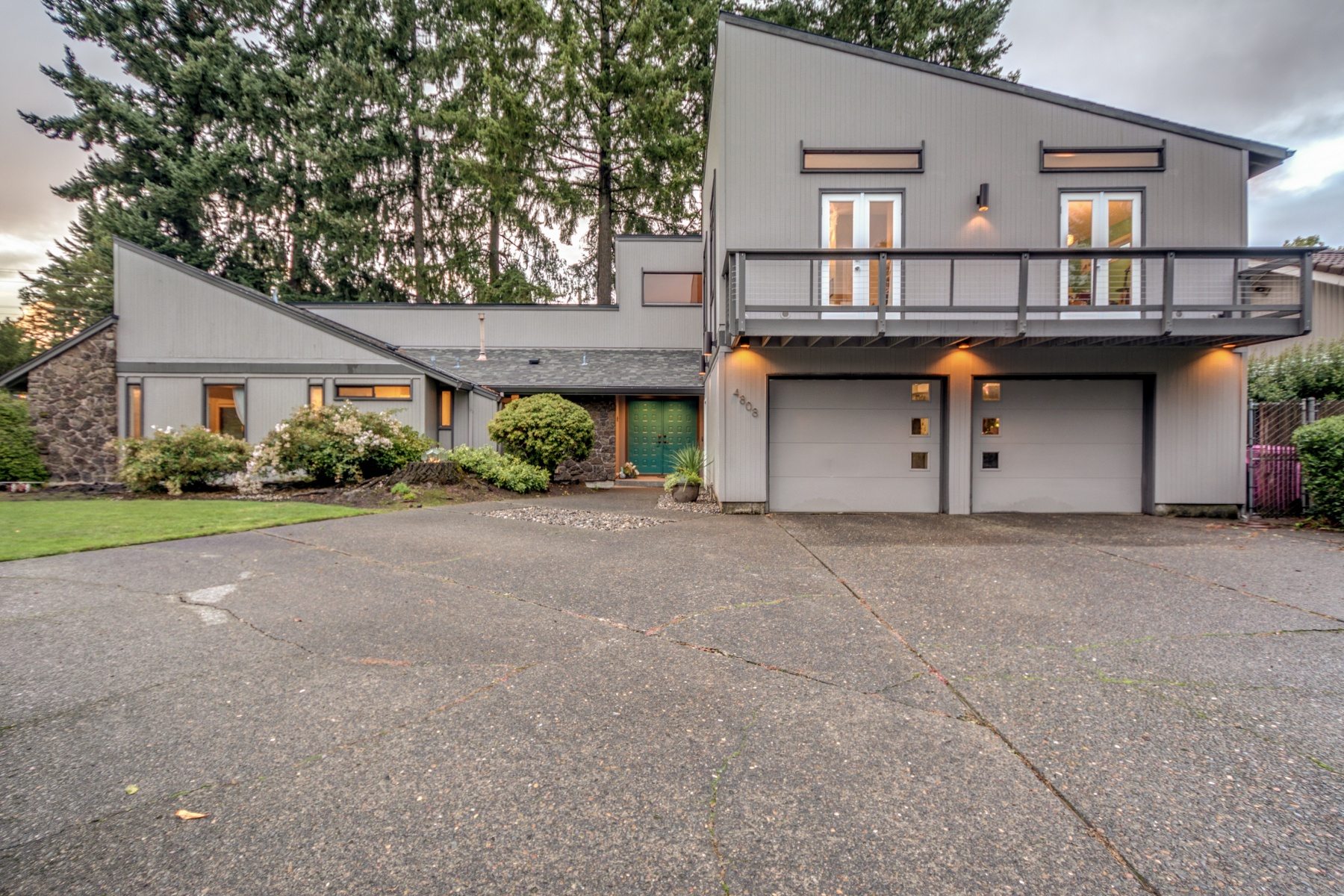 for Sale at 4808 Willamette Dr Vancouver, Washington, 98661 United States