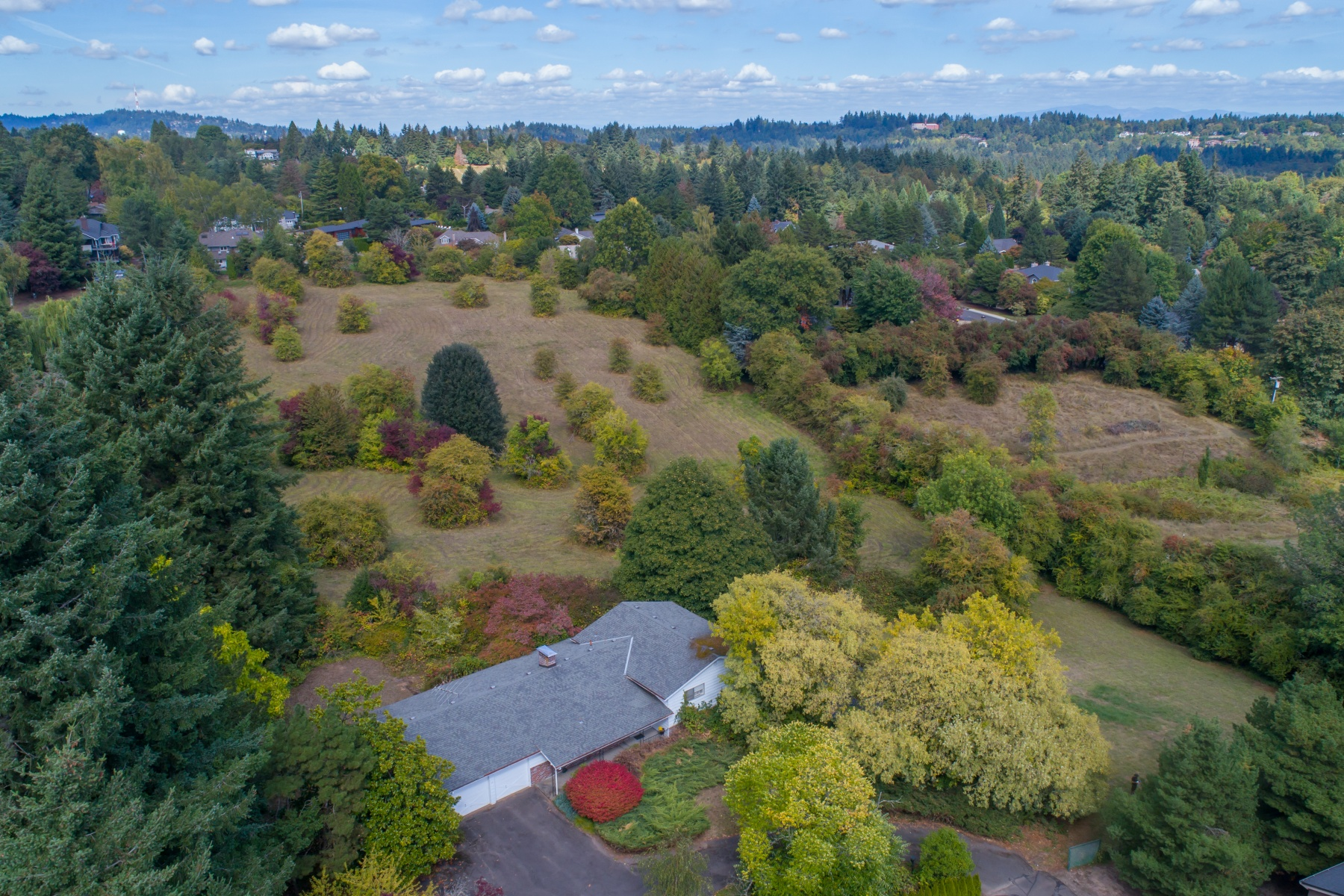 Single Family Homes para Venda às Urban Acreage 13755 Knaus Road, Lake Oswego, Oregon 97034 Estados Unidos