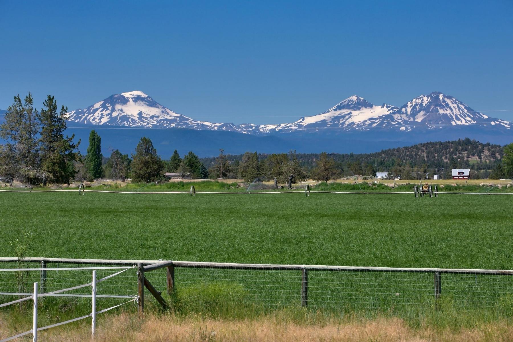 Земля для того Продажа на Bend Buildable Acreage 66265 White Rock Loop, Bend, Орегон, 97701 Соединенные Штаты