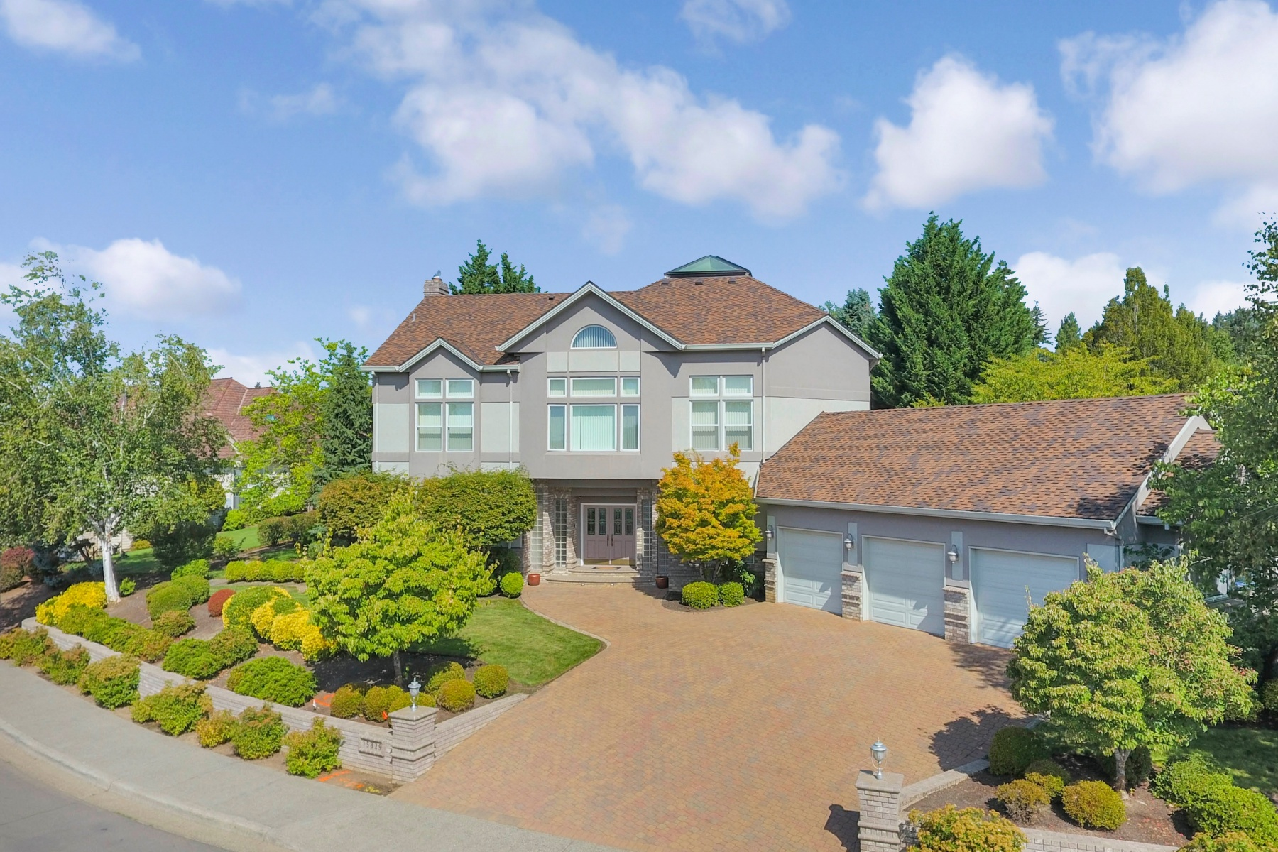 Single Family Homes for Active at 15829 SW DEKALB ST Tigard, Oregon 97224 United States