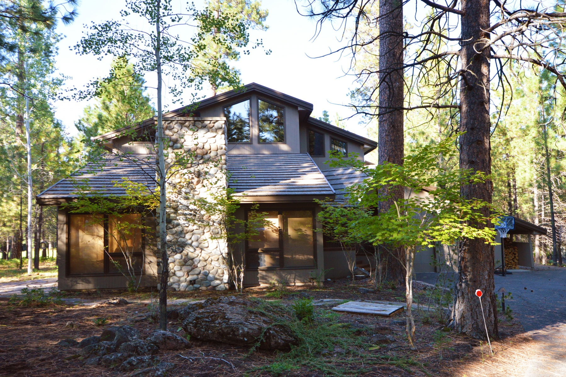 Single Family Homes for Active at Black Butte Ranch Charmer 13452 Foin Follette Black Butte Ranch, Oregon 97759 United States