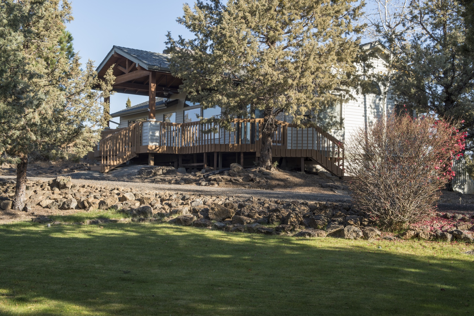 独户住宅 为 销售 在 21610 Paloma Drive 本德, 俄勒冈州, 97701 美国