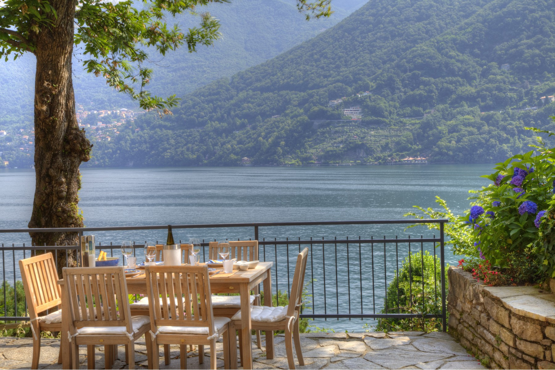 Property for Sale at Fantastic independent villa of the 70s Laglio, Como Italy
