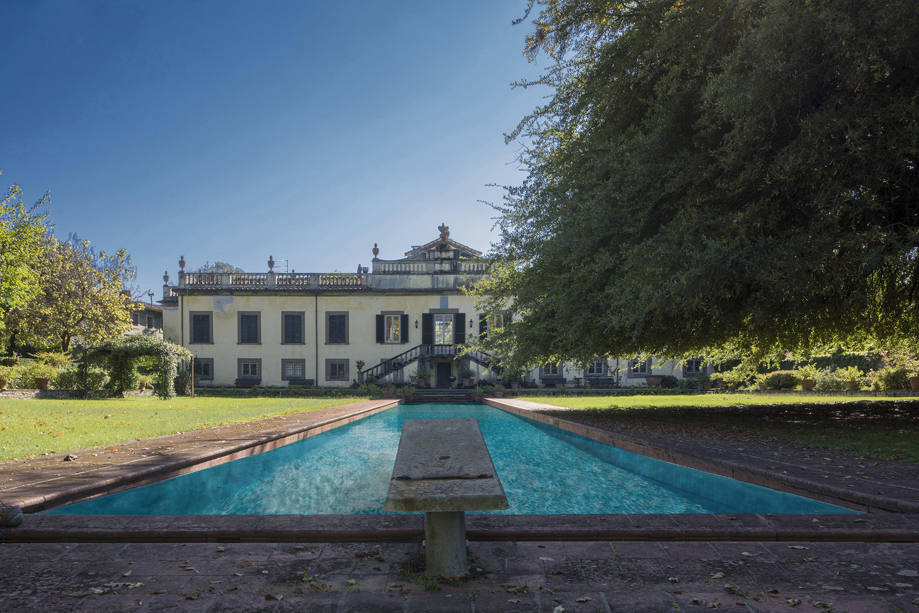 Other Residential Homes for Sale at Magnificent Historical Villa Lucca, Lucca Italy