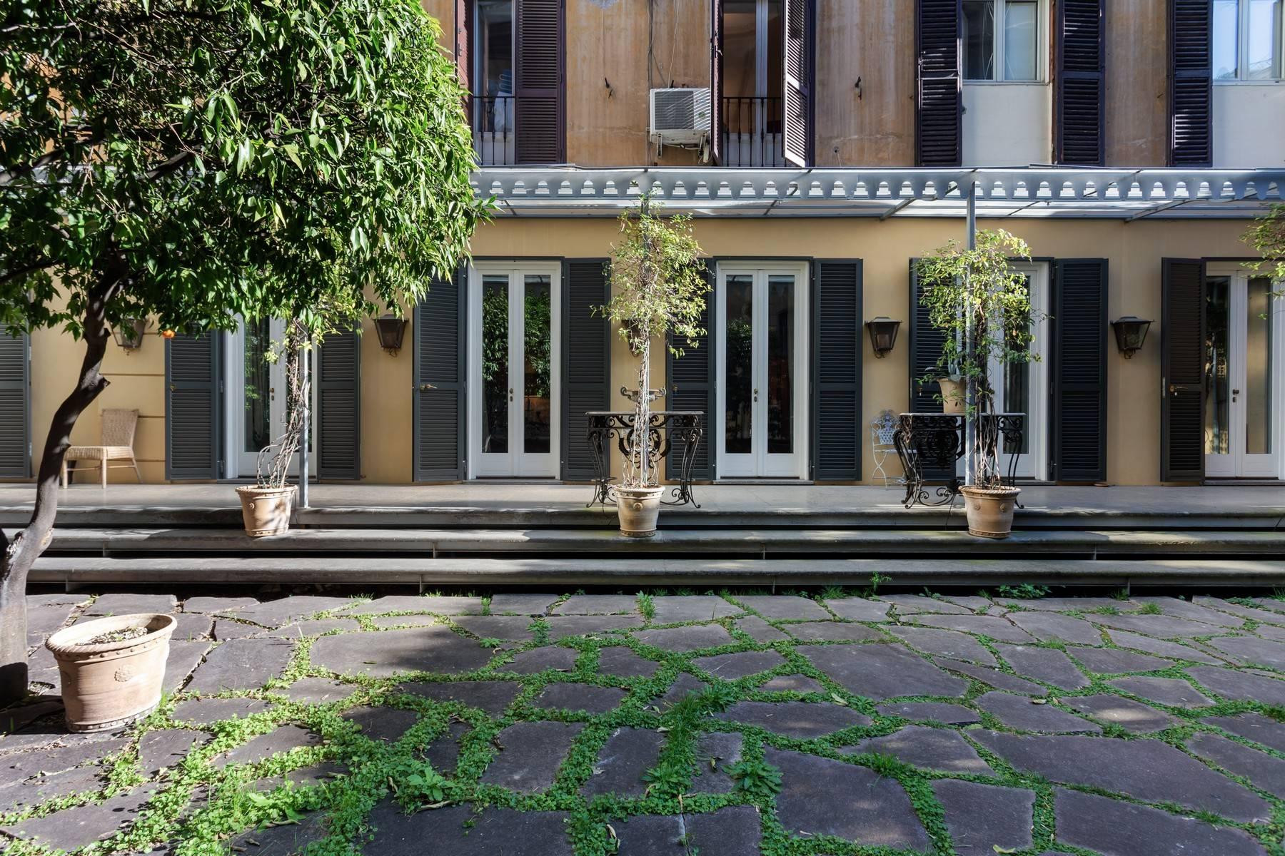 Apartments por un Alquiler en Charming apartment with garden in the center of Rome Rome, rom Italia