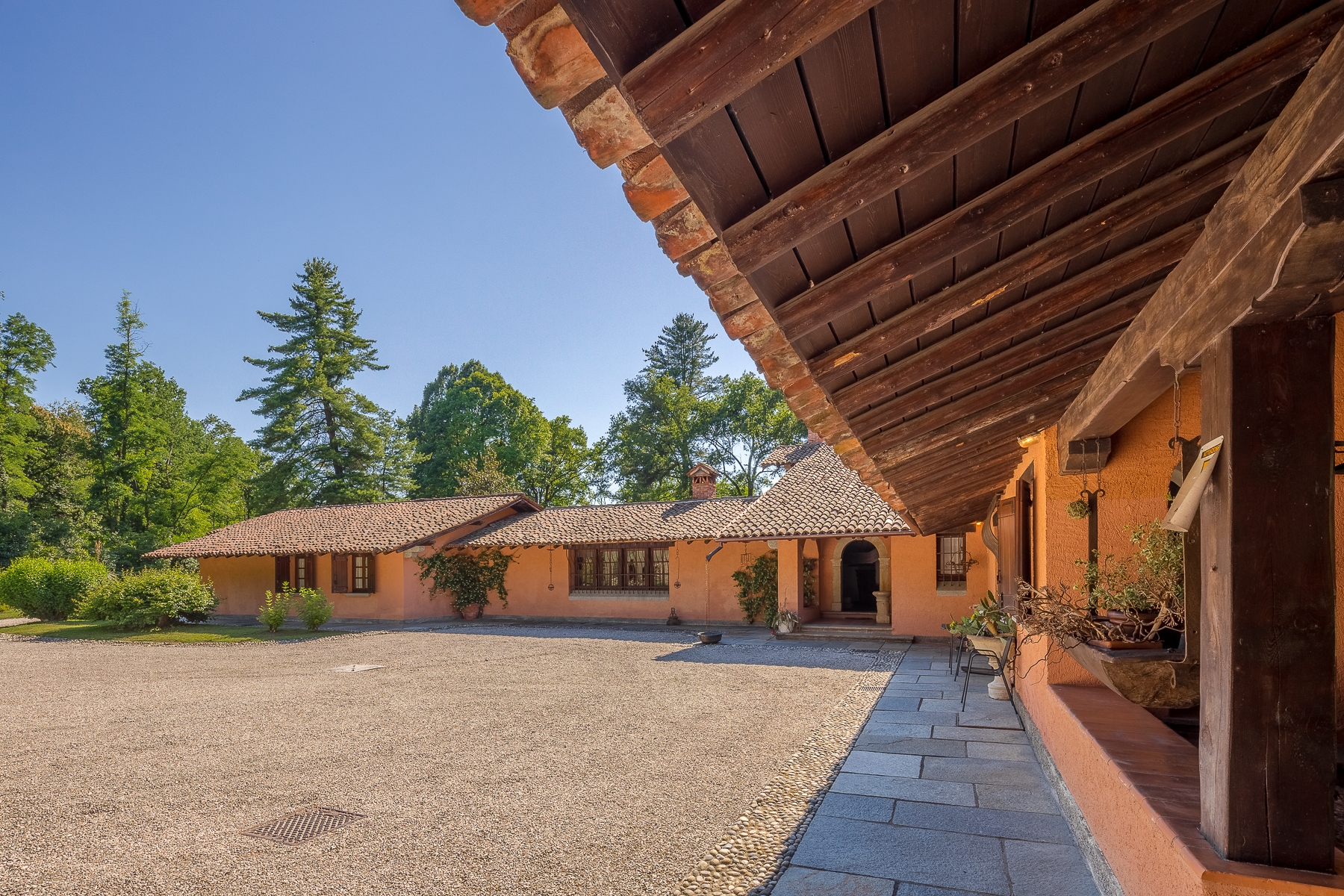 Other Residential Homes for Sale at Country house in the natural park of Lake Maggiore Oleggio Castello, Novara Italy
