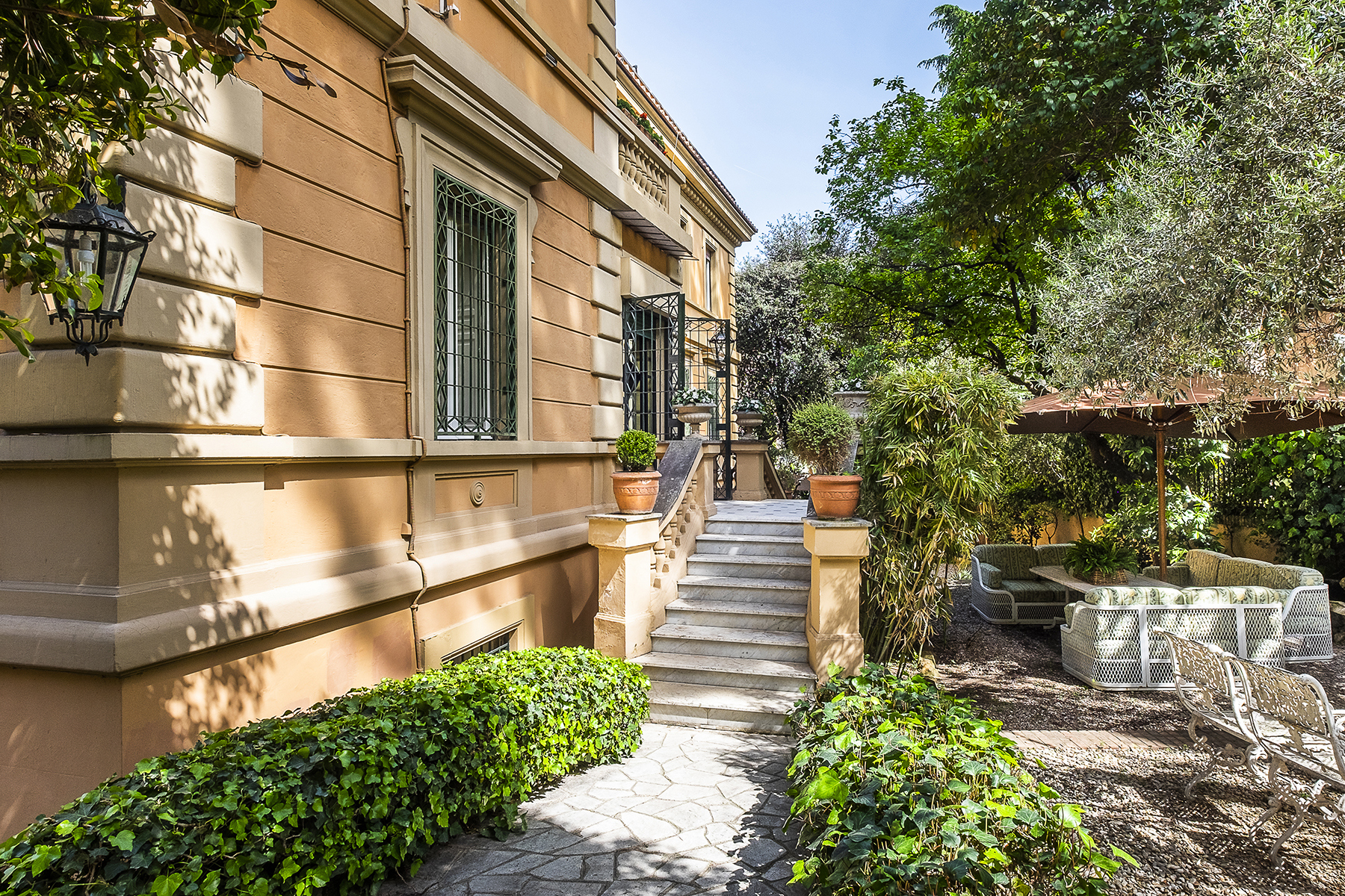 Other Residential for Sale at Luxury and exclusive villa from 1930s Rome, Rome Italy