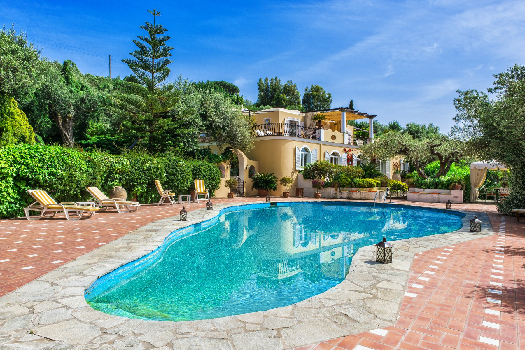 Other Residential Homes for Sale at Elegant villa with pool in Anacapri Capri, Naples Italy