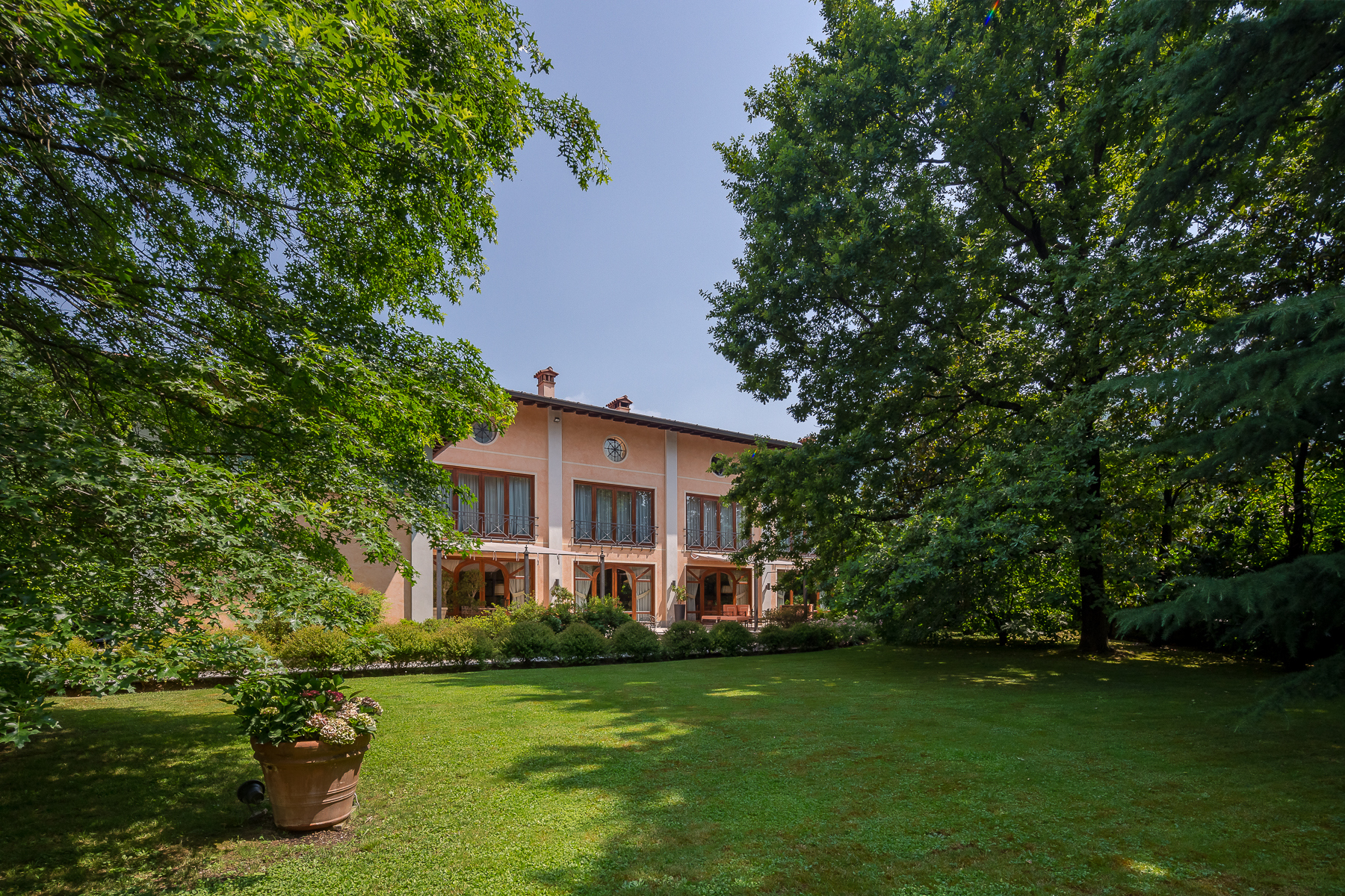 Other Residential Homes for Sale at Elegant villa in Franciacorta Ome, Brescia Italy
