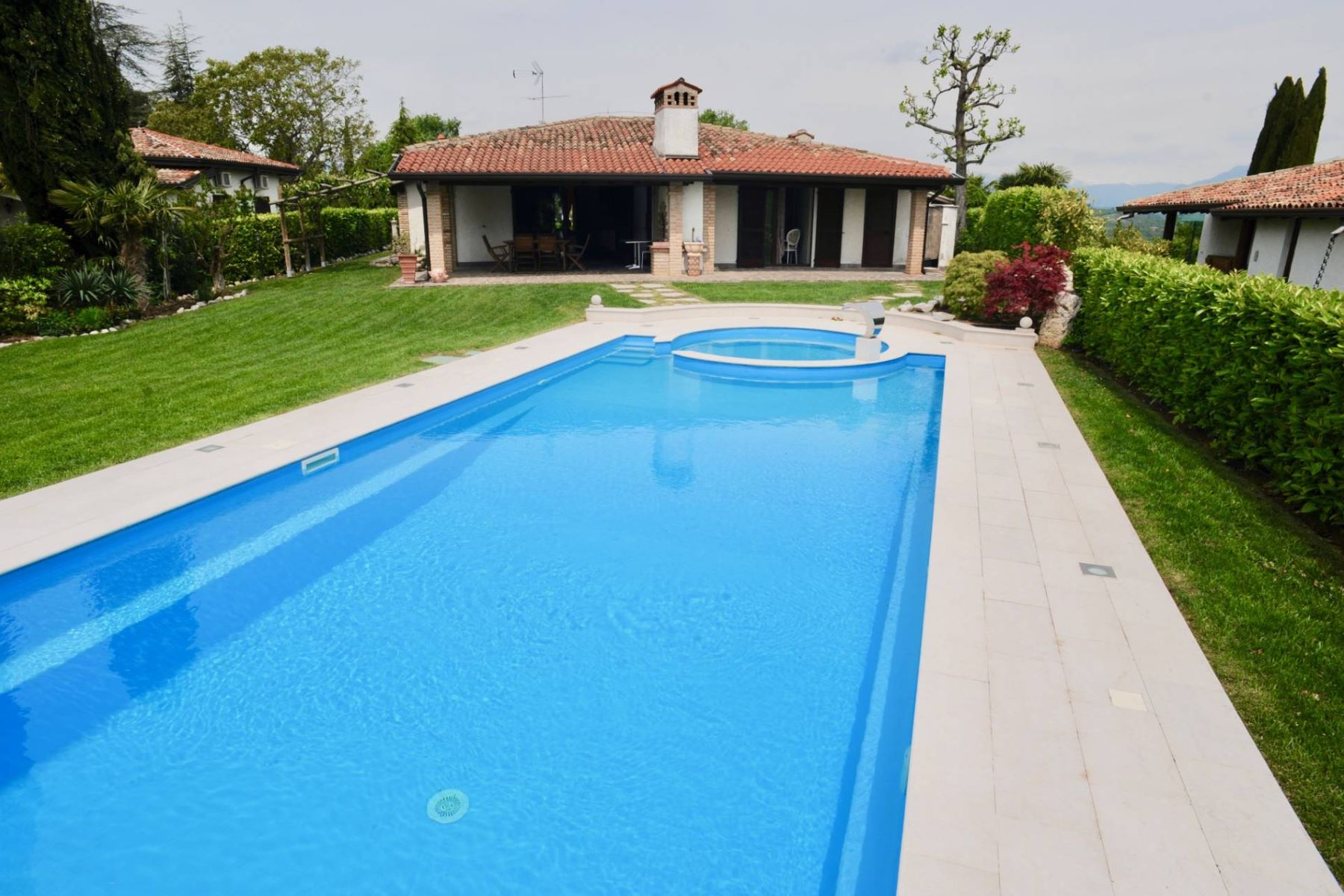Other Residential Homes for Sale at Beautiful detached house with swimming pool in Padenghe sul Garda Padenghe sul Garda, Brescia Italy