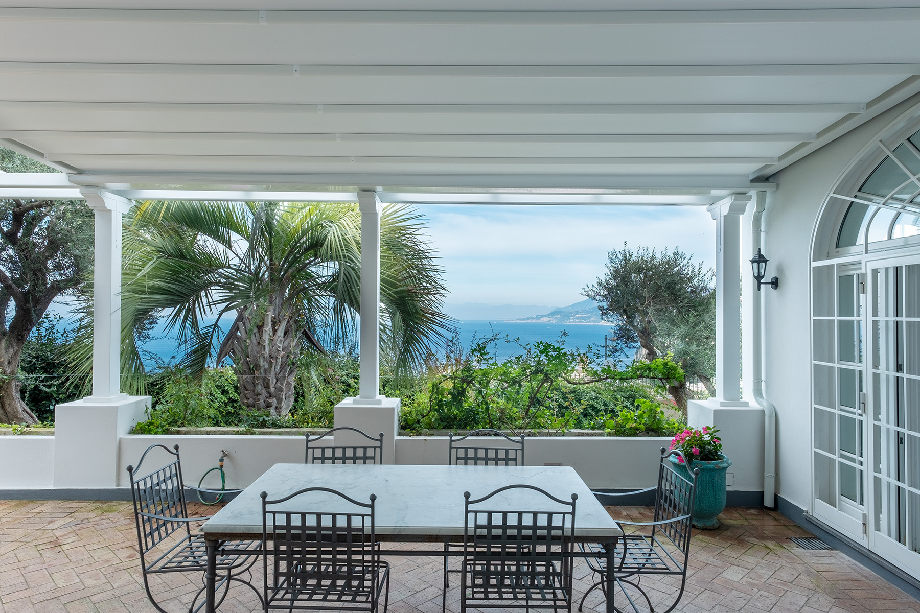 Property のために 売買 アット Amazing villa overlooking the sea and the most beautiful garden in the island Capri, ナポリ イタリア