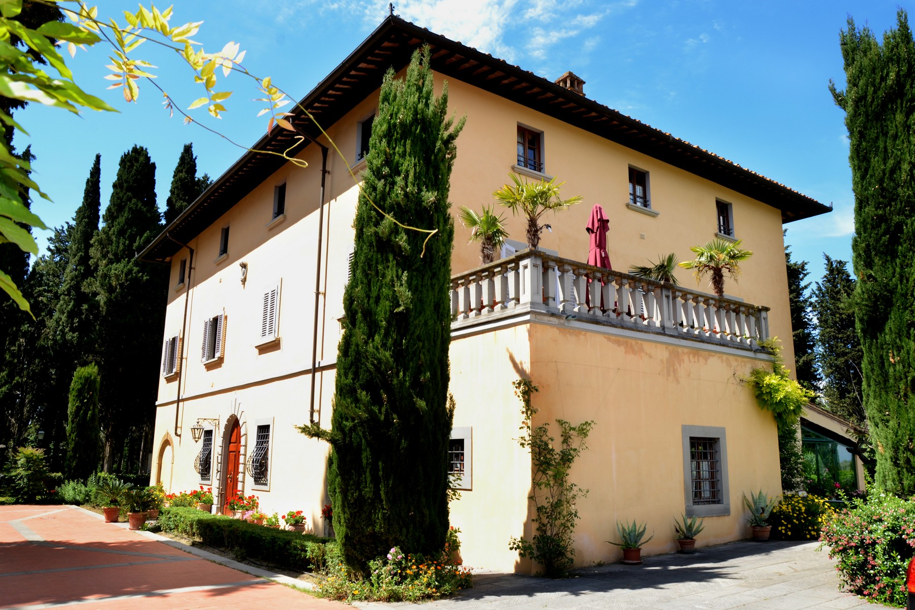 Apartments for Sale at Charming holiday resort in the heart of Tuscany Montespertoli, Florence Italy