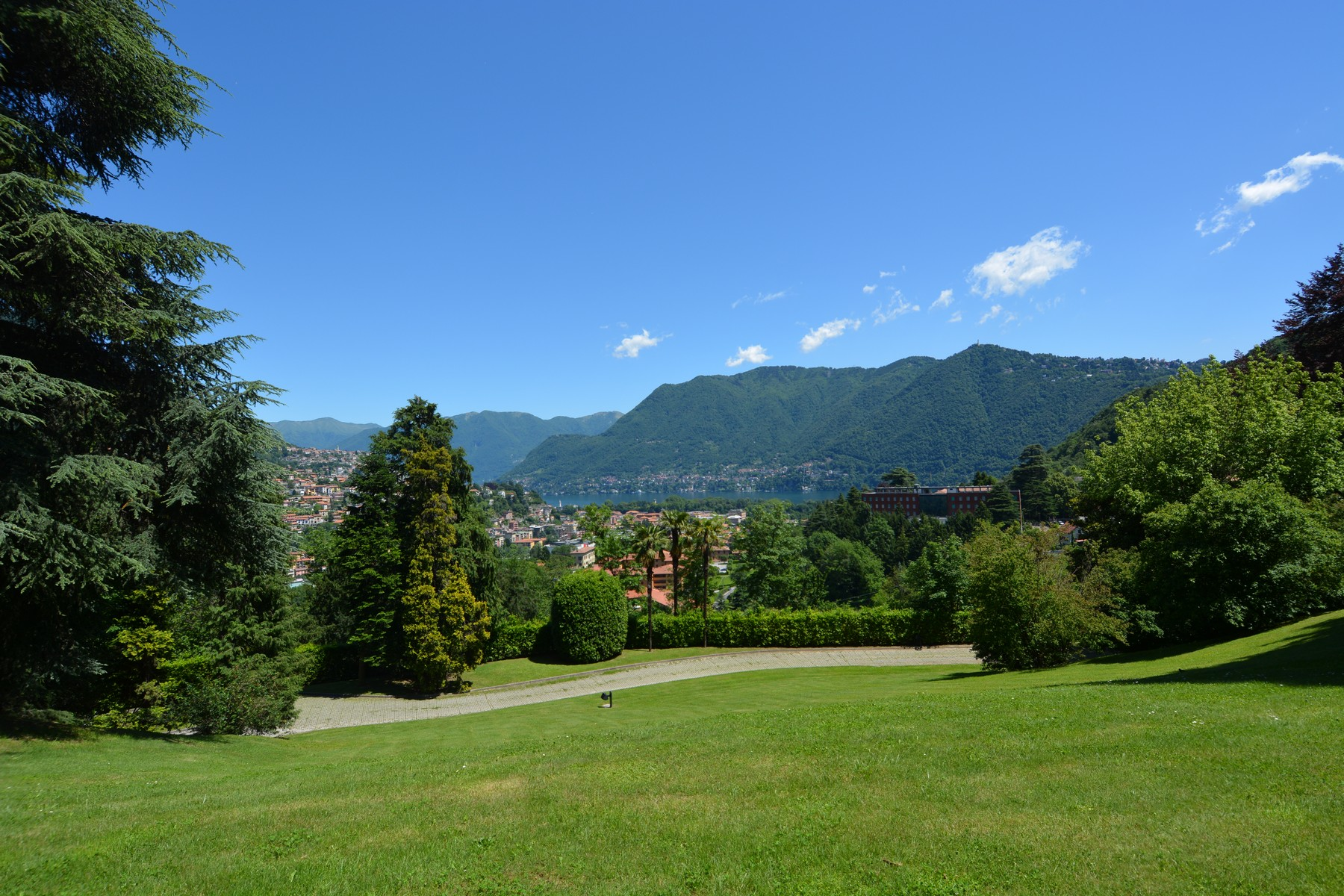 Single Family Home for Sale at Elegant semi-detached house in Villa Rossi Como, Como, Italy