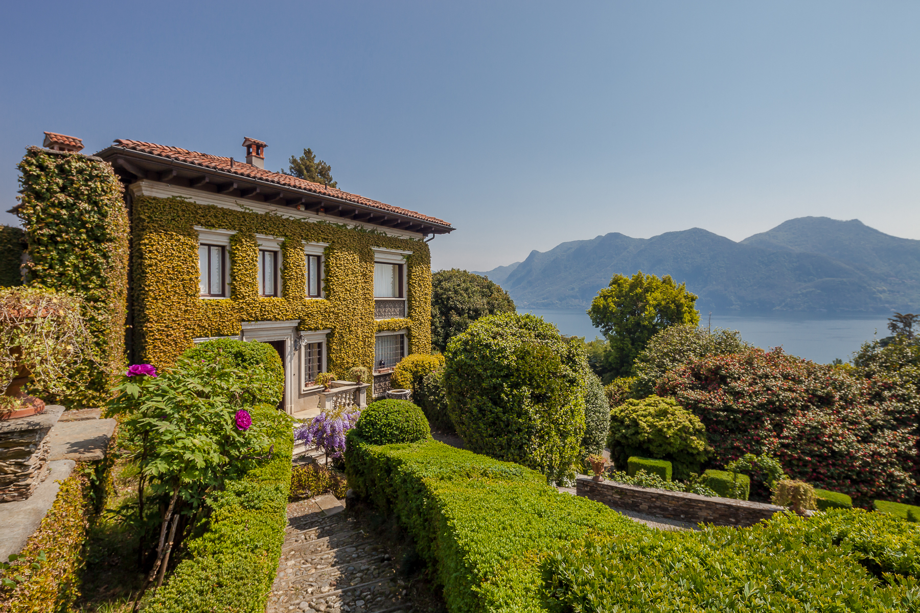 Other Residential Homes for Sale at Early 20th century villa with centuries-old park and lake view Verbania, Verbano Cusio Ossola Italy