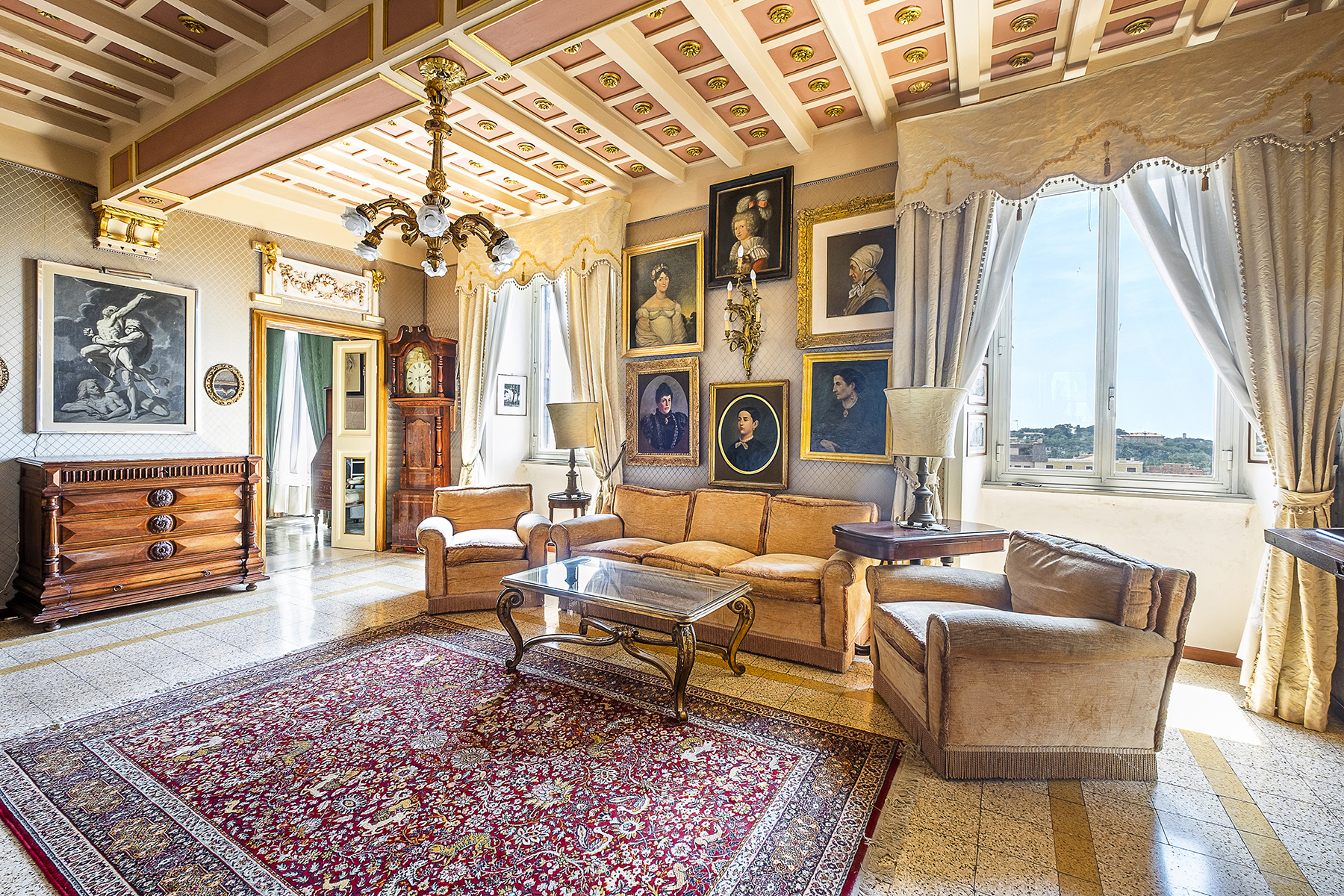 Apartments للـ Sale في Bright and panoramic period apartment Frascati, Rome Italy