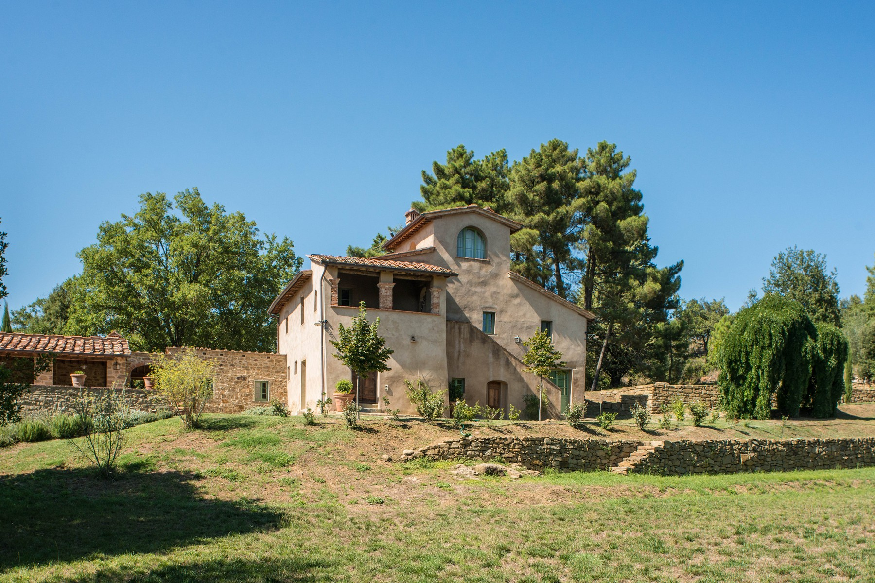 Additional photo for property listing at Beautiful country home, immersed in Tuscan rolling hills Other Arezzo, Arezzo イタリア