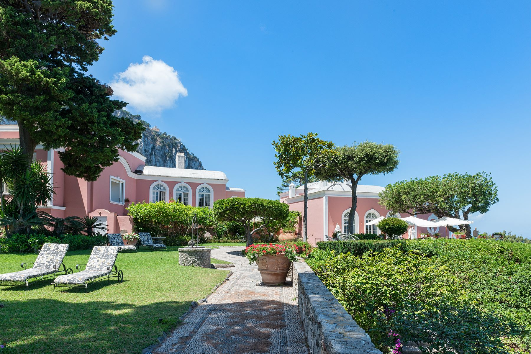 Property のために 売買 アット Villa Bismarck, an extraordinarily unique location in Capri Capri, ナポリ イタリア