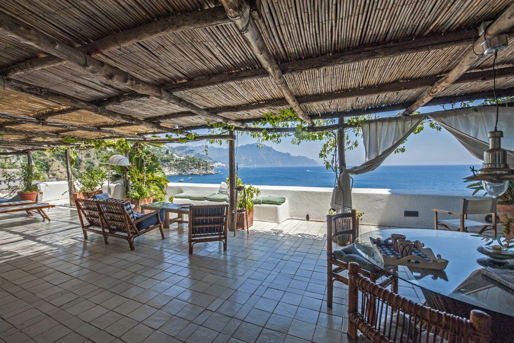 Other Residential Homes 為 出售 在 Villa Chandon, unique property on the Amalfi Coast Conca Dei Marini, Salerno 義大利