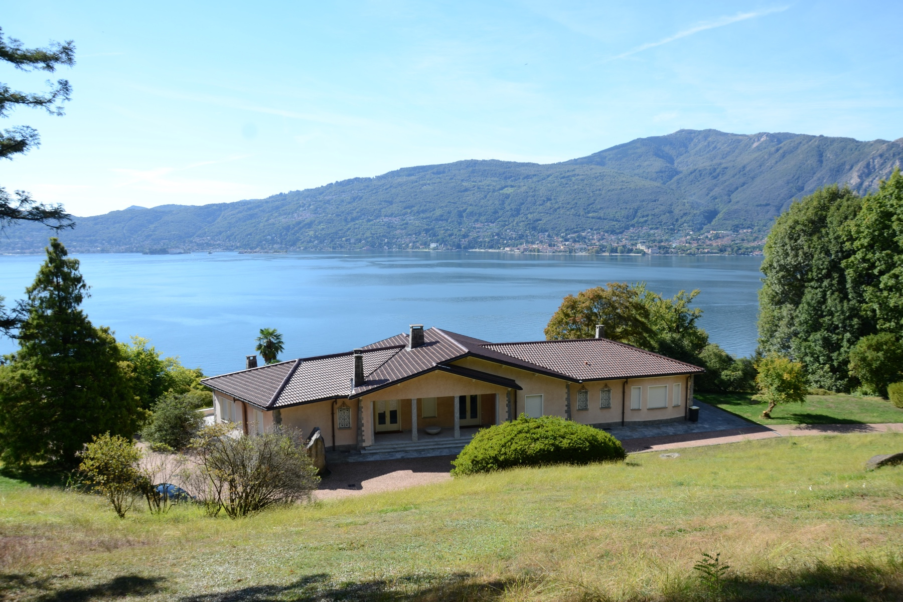 Other Residential Homes 为 销售 在 Villa on the outskirts of Verbania overlooking the Isola Madre Verbania, 韦尔巴诺-库西亚-奥索拉 意大利