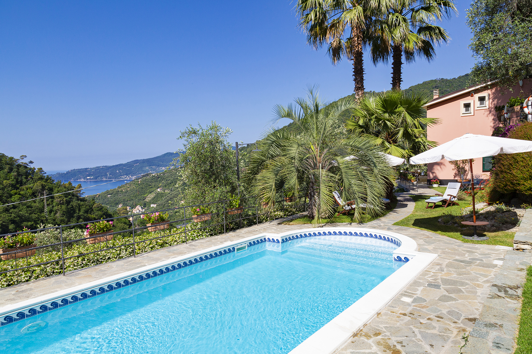 Single Family Homes for Sale at Detached house in panoramic position with a beautiful sea view Zoagli, Genoa Italy